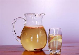 detox-apple-cinnamon-water-boost-your-metabolism-naturally