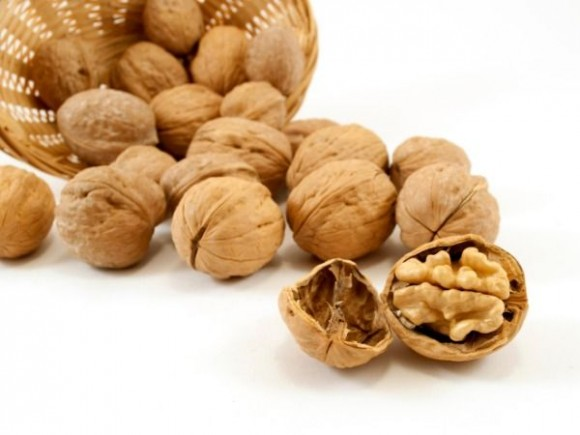 walnuts-autumn-fruit-with-amazing-health-benefits2