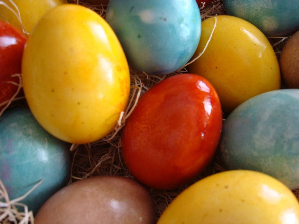 natural coloring how to dye easter eggs naturally