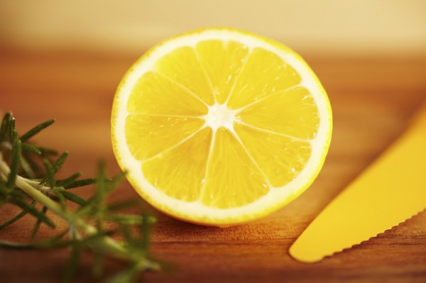 how-to-use-lemon-as-a-medicine-featured