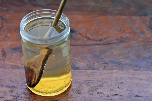 http://www.healthyfoodhouse.com/wp-content/uploads/2014/12/how-to-cleanse-your-lungs-with-honey-water.jpg