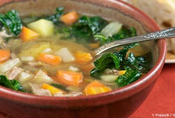 super-energy-kale-soup-to-reduce-inflammation-and-fight-disease