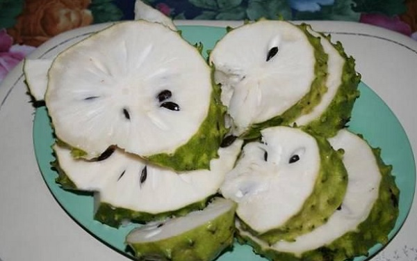they-said-that-this-fruit-was-10000-times-stronger-than-chemo-here-is-what-they-didnt-tell-you