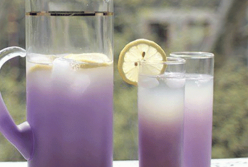 this-lavender-lemonade-recipe-will-get-rid-of-anxiety-and-headaches