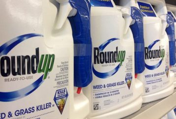 italy-just-banned-monsantos-top-selling-herbicide-public-places