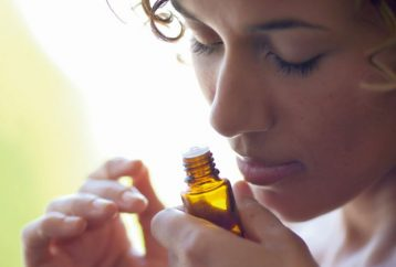 woman-40-using-essential-oil-every-day