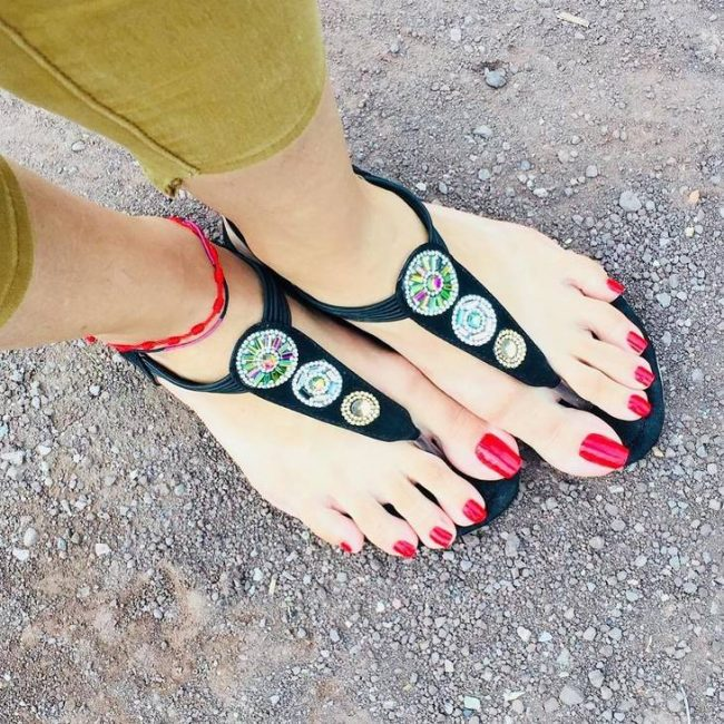 Women Are Rocking Extra Long Toe Nails This Summer And It Looks Gorgeous