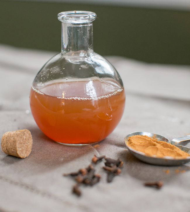 4 Homemade Mouthwash Recipes To Get Rid of Bad Breath Naturally