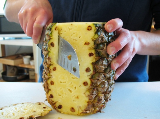 After You Find Out What Pineapples Can Do To Your Breasts, You Will Never Stop Eating Them!